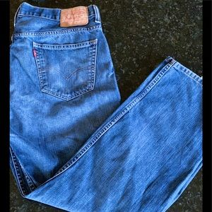 Gently worn Men's Levi's Jeans Size 34x32